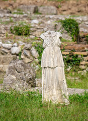 Photo sur Plexiglas Commemoratif Statue in Archaeological Park of Dion. Pieria, Greece