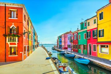 Cadres-photo bureau Venice Venice landmark, Burano island canal, colorful houses and boats, Italy