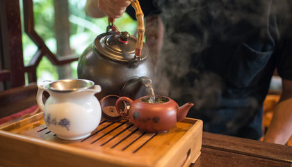 Chinese tea ceremony at tea house in Taichung, Taiwan 台中の茶藝館