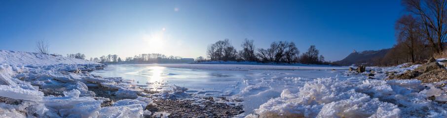 Donau im Winter bei Bogen