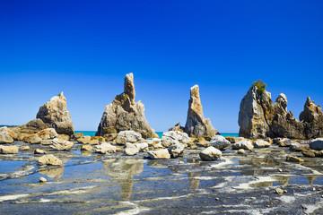 青空の橋杭岩
