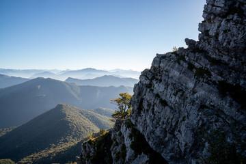 Le montagne del Comasco nella foschia, dal Campo dei Fiori di Varese