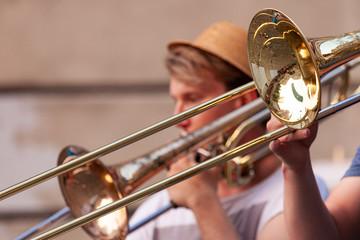 esibizione band ottoni in piazza, particolare