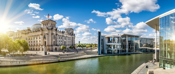 Deurstickers Centraal Europa panoramic view at the government district in berlin