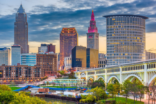 Cleveland, Ohio, USA downtown city skyline on the Cuyahoga River
