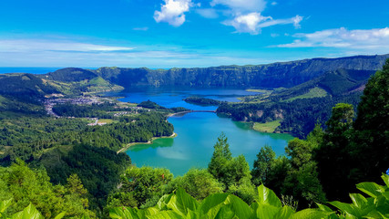 Lake Azul on the island of Sao Miguel Azores Fototapete