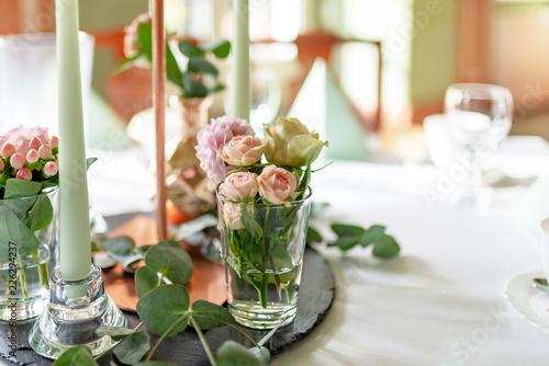 Tischdekoration Hochzeit Rosa Rosen Stock Photo And Royalty Free