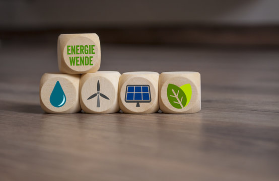 Würfel mit erneuerbare Energie Clean Energy Energiewende