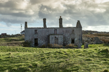 Deserted old house ruins, on Irish bog land