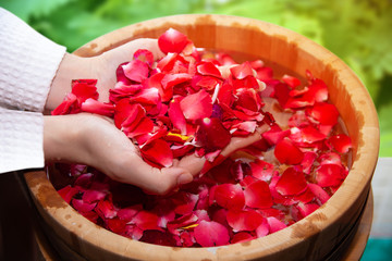 spa for female hands