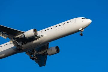 Boeing 767-300ER landing