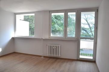 pusty pokój duży