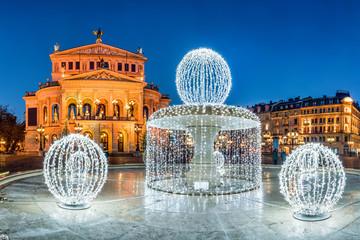 Alte Oper in Frankfurt im Winter, Frankfurt am Main, Hessen, Deutschland