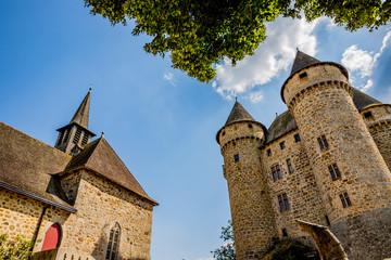 Le Château de Val et la chapelle