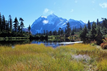 Stunning view of Mount Shuksan and fall colors around Picture Lake in the North Cascades
