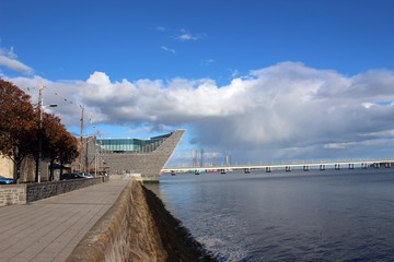 The V&A Museum from the west and the Firth of Tay, Dundee.