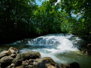 福島の幅広の藤八の滝