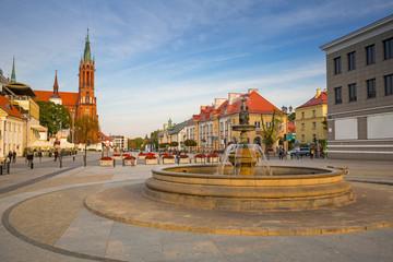 Obraz Rynek Główny Kościuszki z bazyliką w Białymstoku - fototapety do salonu