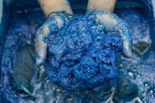Process dye fabric indigo color in Phare Thailand.