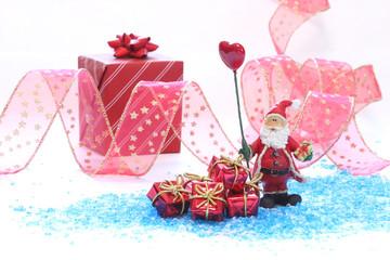 サンタクロースと赤いプレゼント