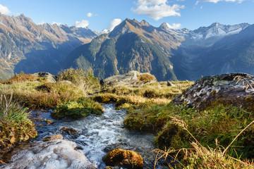 Fototapete - Quellwasser in den Alpen