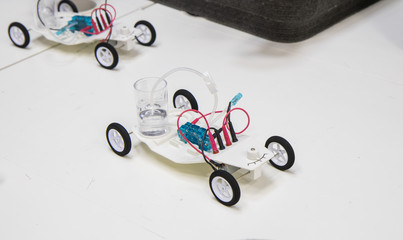 Sample of using a hydrogen engine in a toy car
