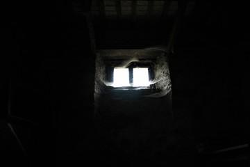scuro, luce, finestra, tunnel, vecchio, pietra, costruzione, castello, antica, corridoio, porta, abbandonata, architettura, mura, abitazione, chiesa, camera, nera, notte, nessuno