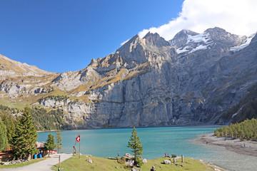 Oeschinensee bei Kandersteg, Alpen, Schweiz