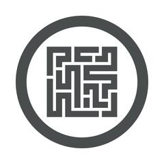 Icono plano laberinto en circulo gris
