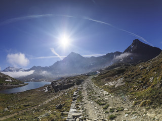 Italy, Lombardy, Gavia Pass, hiking trail and Lago Bianco