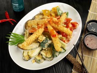 Tempura Gemüse mit Garnelen - Teller