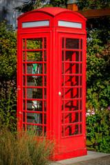 Englische Telefonzelle als Bücherregal