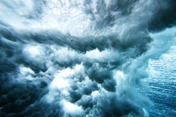 Close-up of splashing waves in sea