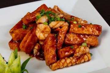 Fried tofu with seafood