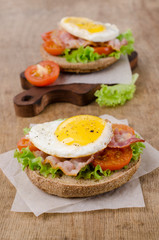 Traditional sandwich with fried bacon
