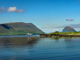 Färöer Inseln, Fähre nach Hestur und Sandoy