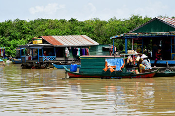 Siem Reap; Kingdom of Cambodia - august 23 2018 : riverside view from a touristy boat Fototapete