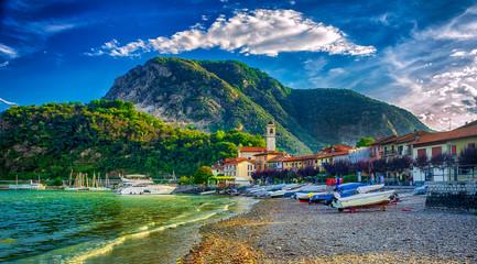 Fischerdorf Feriolo am Lago Maggiore, Piemont, Italien Fototapete