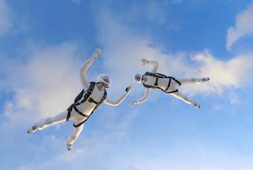 2 Skydiver Fallschirmspringer im freien Fall