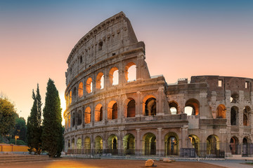 Fototapeten Rom Colosseum at sunrise, Rome, Italy