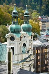 Die Kirche  St. Maria Magdalena in der Altstadt von Karlovy Vary in Tschechien