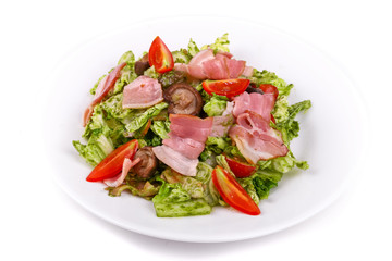 Salad of bacon, lettuce, mushrooms and cherry tomatoes