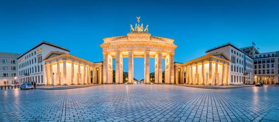 Poster Berlin Brandenburg Gate panorama at twilight, Berlin, Germany