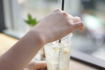 カフェの窓際
