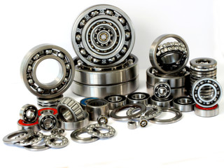 Bearings made of steel of various sizes and chaotic order