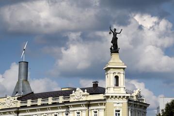 Statue der Elektra auf dem Dach des Energiewirtschaftsmuseumss