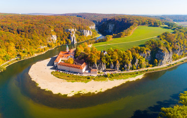 Photo sur Plexiglas Monument Aerial view to Weltenburg Abbey - Kloster Weltenburg. This landmark is a Benedictine monastery in Weltenburg in Kelheim on the Danube in Bavaria, Germany.