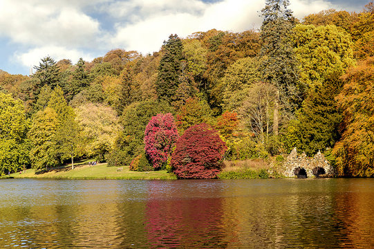 Autumn in the most popular park in the UK - Stourhead