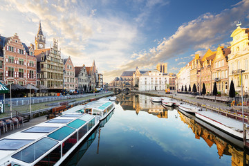 Wall Mural - Embankment  along the Leie river with medieval houses in the city of Ghent, Belgium