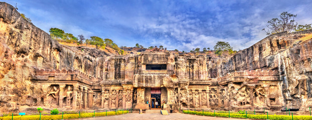 Tuinposter India The Kailasa temple, the biggest temple at Ellora Caves. UNESCO world heritage site in Maharashtra, India